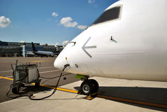 L'avion est rempli avant vol Images libres de droits
