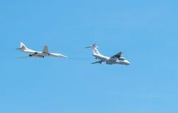 L'avion sarcle le défilé d'une victoire à Moscou Images stock