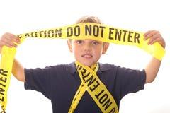 L'avvertenza del ragazzino non entra Fotografie Stock