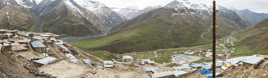 L'Azerbaïdjan, vue panoramique de règlement de montagne de Khinalig Photographie stock