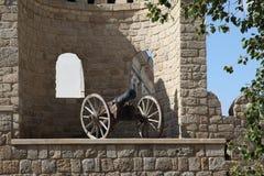 l'azerbaijan bacu Veiw del muro di cinta e della pistola in vecchia città Fotografie Stock Libere da Diritti