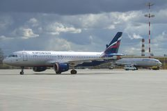` L d'Airbus A320 ` VP-BIT de landau de société d'Aeroflot sur l'aérodrome de Sheremetyevo Photos libres de droits