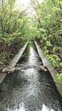 L'eau à un ressort de tranquilité image libre de droits