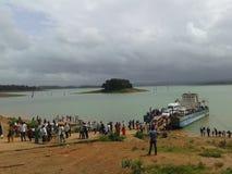 L'eau arrière de Sarswati photo stock