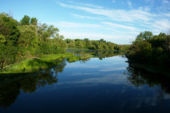 L'eau calme dans la ville Photographie stock