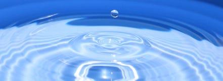 l'eau de baisses Photo stock