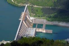 l'eau de barrage de barrière Photos libres de droits