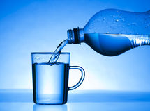 L'eau de boissons images libres de droits