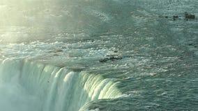 L'eau de chutes du Niagara clips vidéos