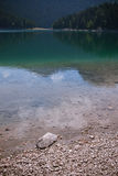L'eau de Crno Jezero Image stock