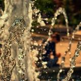 L'eau de la fin photographiée par fontaine  Photographie stock libre de droits