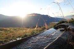 L'eau de la montagne Photographie stock libre de droits