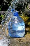 L'eau de la source. Image stock