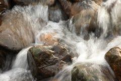 l'eau de roches Image stock