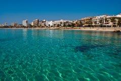 L'eau de turquoise de la mer Méditerranée Images libres de droits