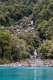 L'eau de turquoise et cascades d'hurler Billy Falls, vue verticale image libre de droits
