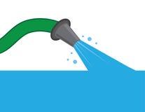 L'eau de tuyau se remplissant Image libre de droits