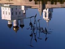L'eau du fleuve de Velikaya Photo stock