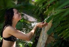 L'eau en baisse Photos stock