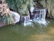 L'eau en baisse photo stock