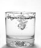 L'eau en glace photographie stock libre de droits