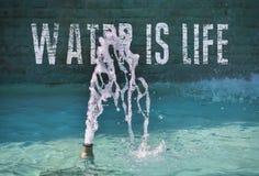L'eau est la vie image libre de droits