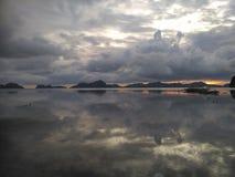 L'eau et ciel Images libres de droits