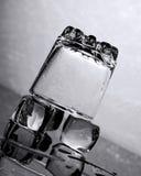 L'eau et glace photographie stock libre de droits