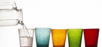 L'eau et glaces colorées image libre de droits