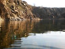 L'eau et montagne Photographie stock