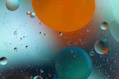L'eau et pétrole de mélange Photographie stock