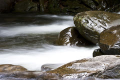 L'eau et roche Photos libres de droits