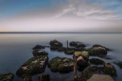 L'eau et roches Image stock