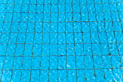 L'eau et vague de piscine Photographie stock