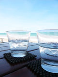 L'eau fraîche de glace photo stock