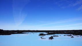 L'eau géothermique de lagune bleue en Islande Photographie stock