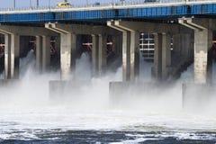 l'eau hidroelectric de gare de remise de pouvoir Images libres de droits