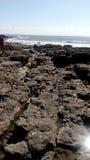 L'eau hors des roches Photos libres de droits
