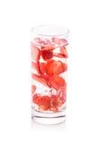 L'eau infusée de fruit frais de la fraise D'isolement au-dessus du blanc Image libre de droits