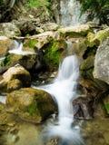 L'eau montante en cascade Image stock