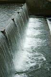 L'eau montante en cascade Photos libres de droits