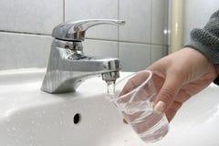 l'eau neuve photo libre de droits