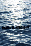 l'eau précieuse Image libre de droits