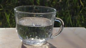 L'eau pure en glace banque de vidéos