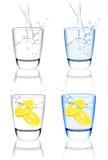 l'eau réglée en verre Photographie stock libre de droits