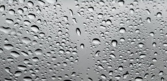 L'eau relâche le plan rapproché Photos stock