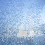 L'eau se cristallise, cela est des tours dans les plus petits cristaux de glace photo stock