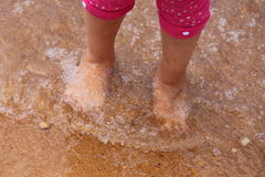 L'eau sur des orteils Images libres de droits