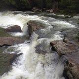 L'eau sur les roches Photo stock