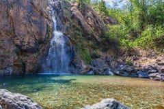 l'eau verte dans la piscine de la cascade de Jokkradin Image stock